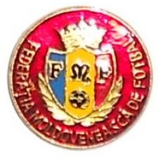 Значок Федерации Футбола Молдовы (красный фон)